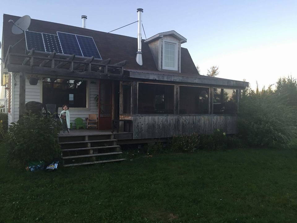 Green homes for sale organic farms for sale for Eco homes canada