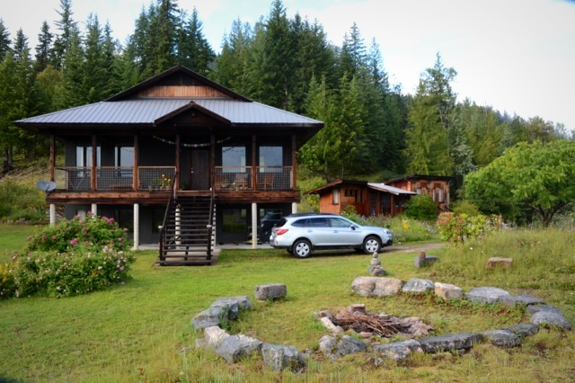 Elegant house on 128 acres with off-grid hydro power, Slocan Valley
